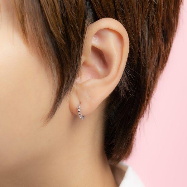 huggie earring