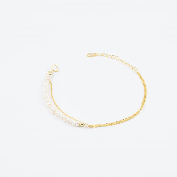 Poise Pearl Bracelet